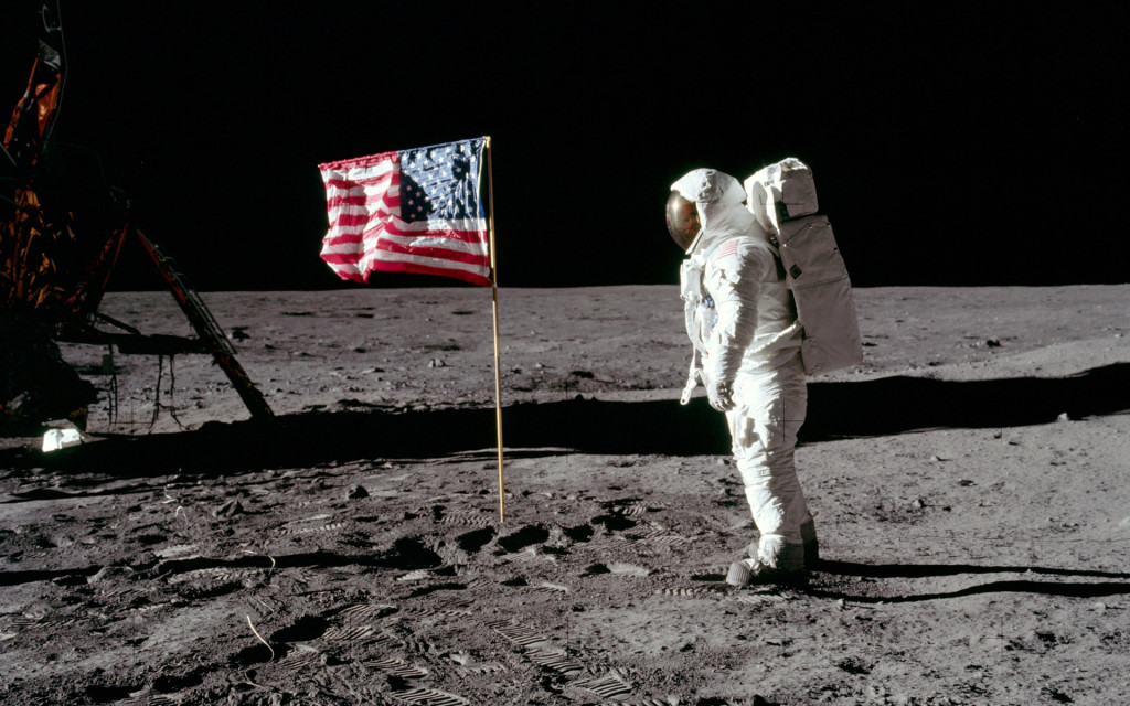 moon-astronauts_00329789
