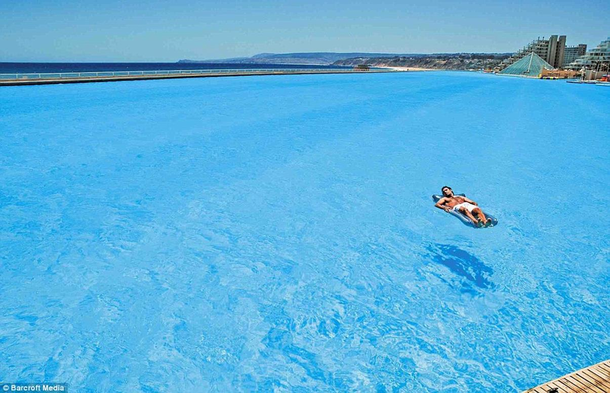 The world s largest pool centives - The biggest swimming pool in chile ...