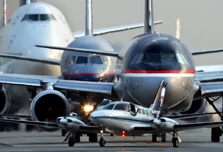 a discussion on the airline industry Far not received much attention in the discussion on deregulation  airline  industry stands out as an important case in this trend in economic policy: formerly  an.