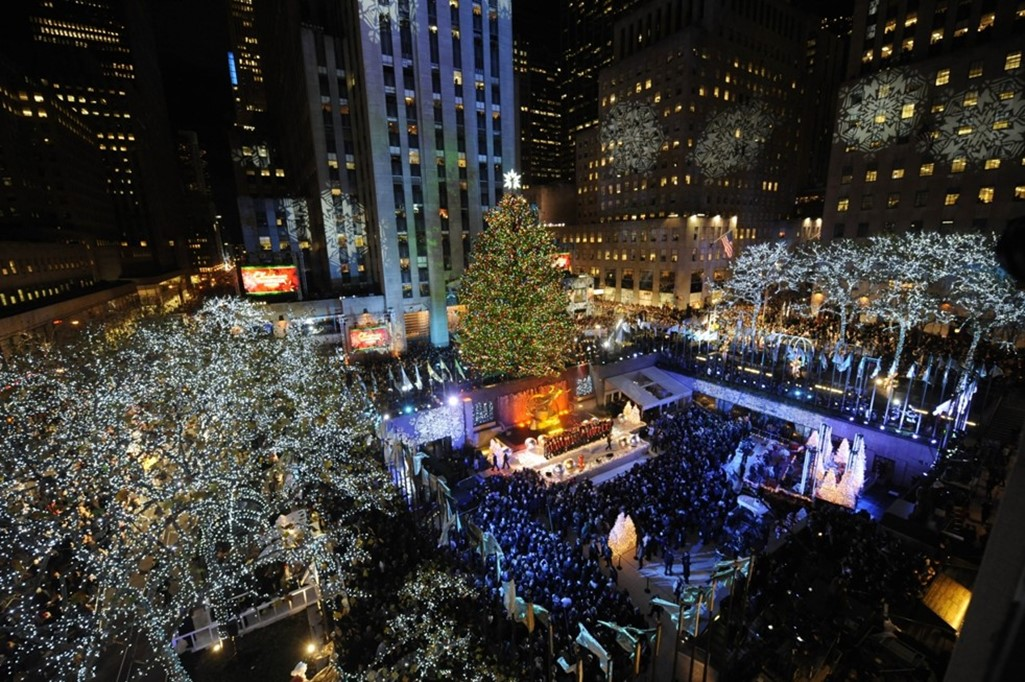 How Much Does The Rockefeller Center Christmas Tree Cost? | Centives