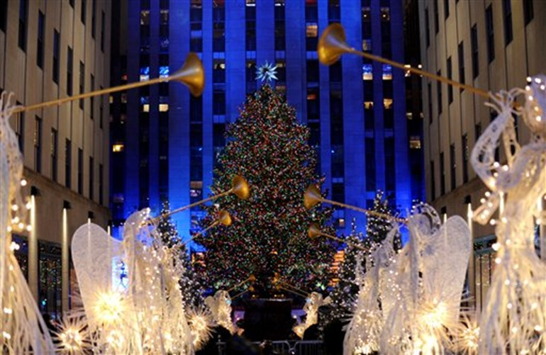 How Much Does The 2015 Rockefeller Center Christmas Tree Cost ...